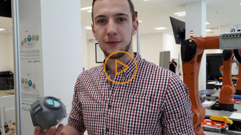ČRo 1: Vývoj stál týden práce šesti až osmi lidí, říká Alexandr Lazarov o respirační 3D masce