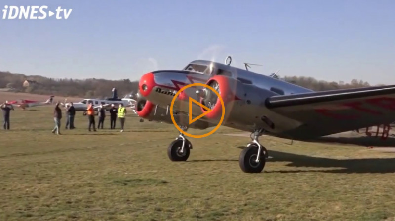 iDnes: Baťovo letadlo rozváží ochranné pomůcky. Odstartovalo do Brna