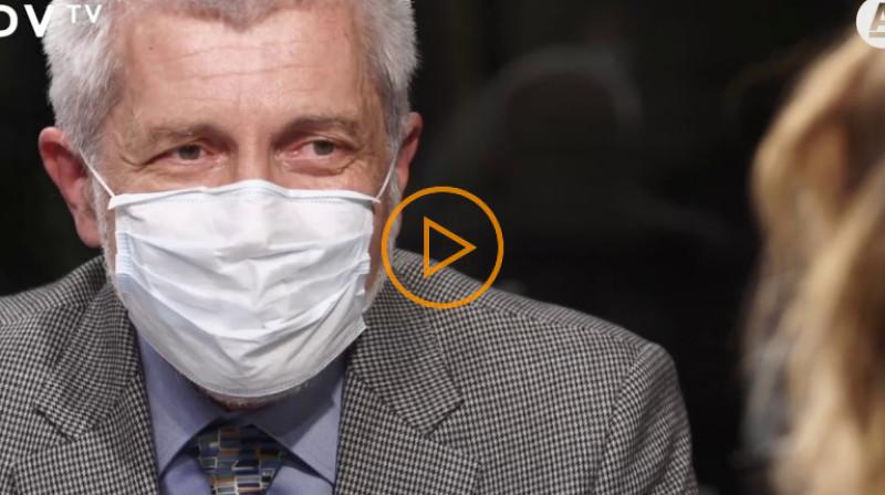 DVTV: Po dvaceti minutách už rouška nechrání, tvrdí lékař